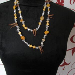 Žltohnedý náhrdelník